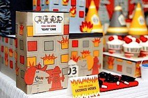 firemanbirthdaypartyfiretruckdesserttable-left2_600x400