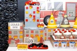 firemanbirthdaypartyfiretruckdesserttable-left_600x400