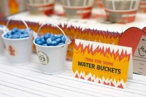 firemanbirthdaypartyfiretruckdesserttable-waterbuckets_600x400
