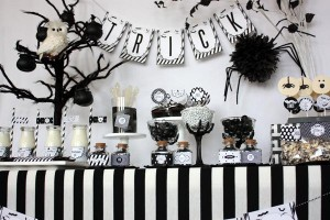 image10 black and white sophistictated old movie halloween printable collection_600x400