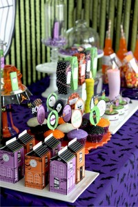 image11 halloween glam haunted house party_600x900