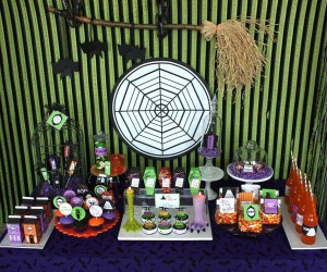 image3 halloween glam haunted house party_600x500