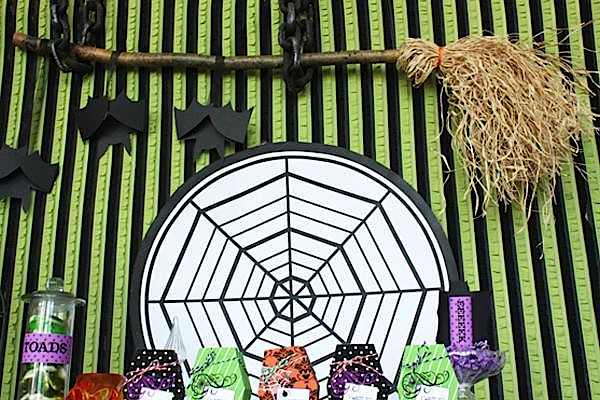 image6 halloween glam haunted house party_600x400