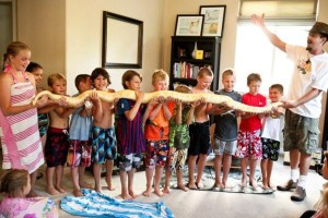 kids with snake_600x400